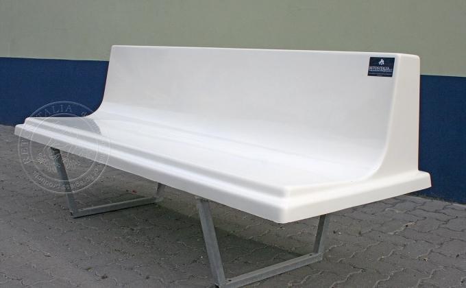 Bench with galvanized tubular frame 1